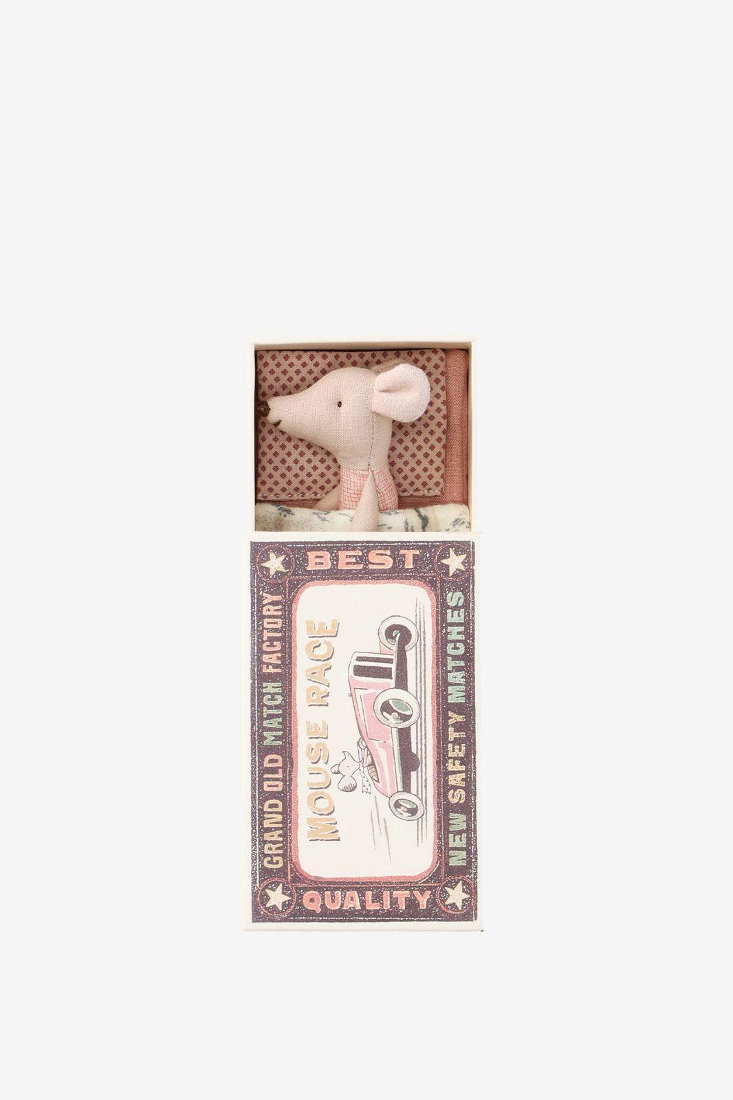 Knuffel muis zusje in luciferdoosje - Homeland | Sissy-Boy