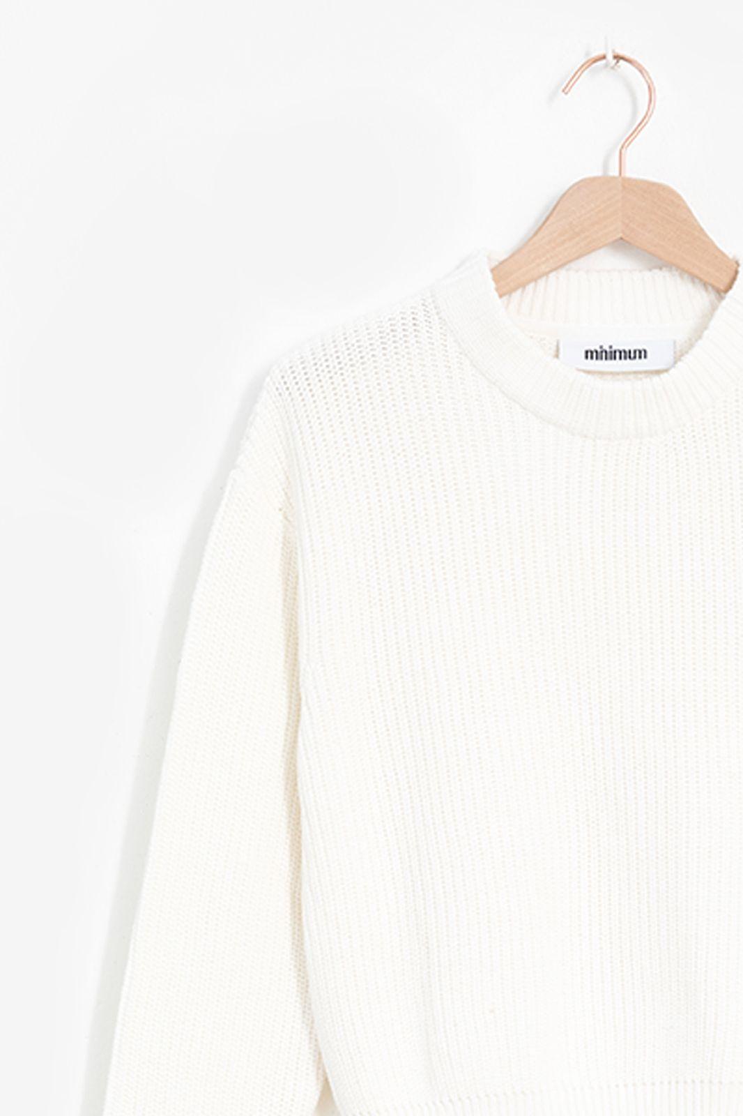 Minimum witte gebreide trui