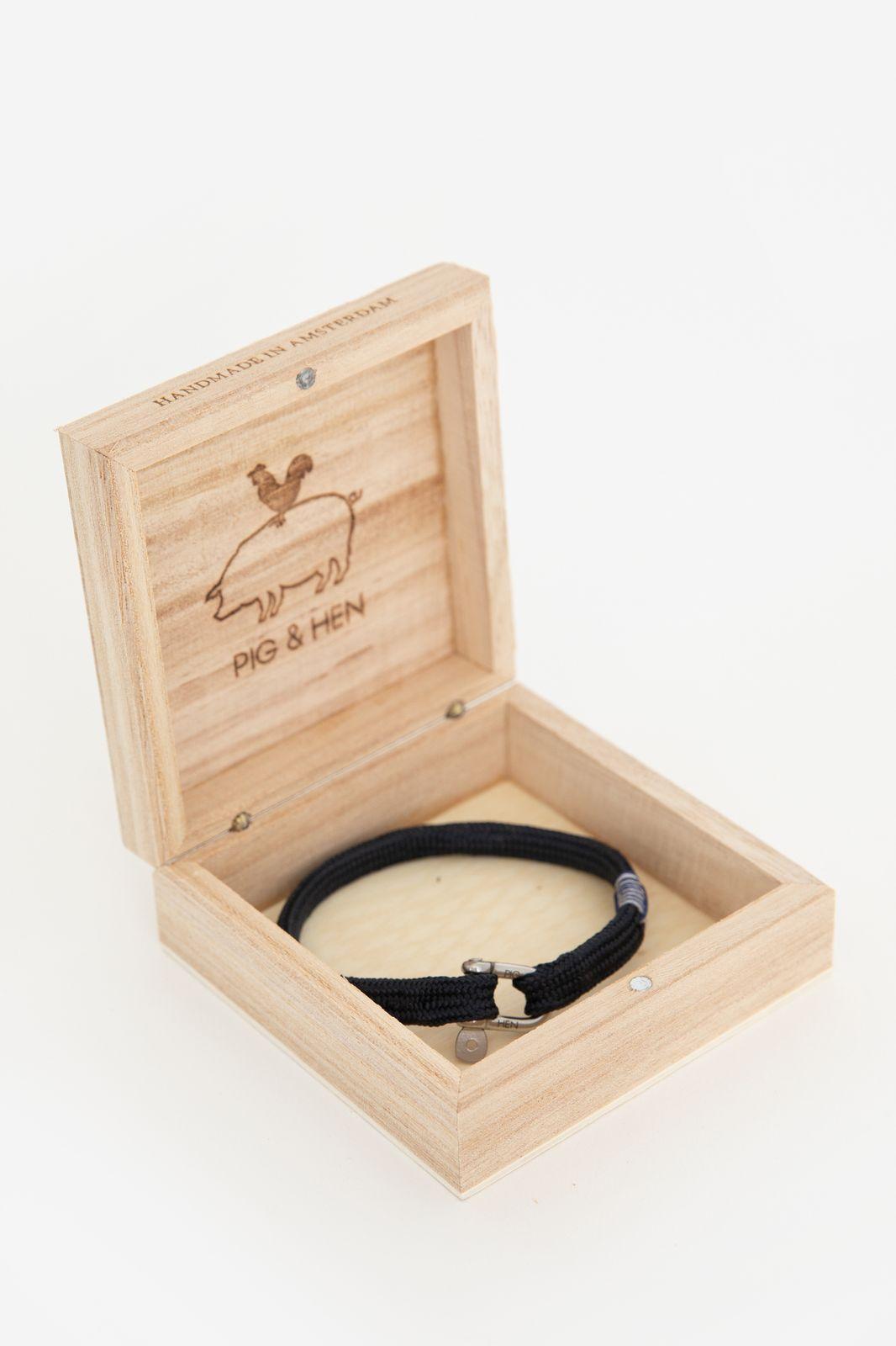 Pig & Hen Vicious Vik armband blauw - Heren | Sissy-Boy