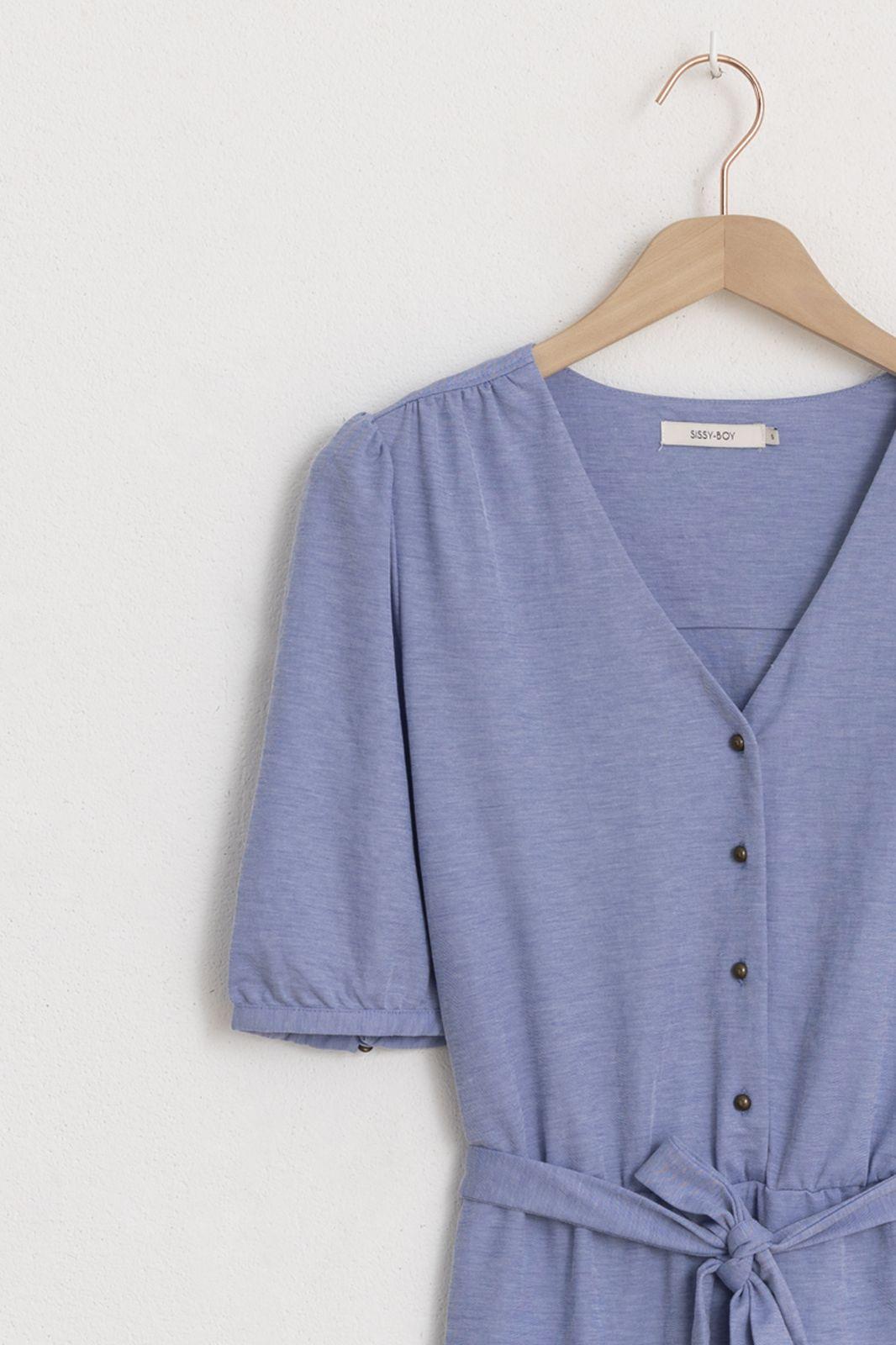 Blaues Midi-Kleid mit Gürtel