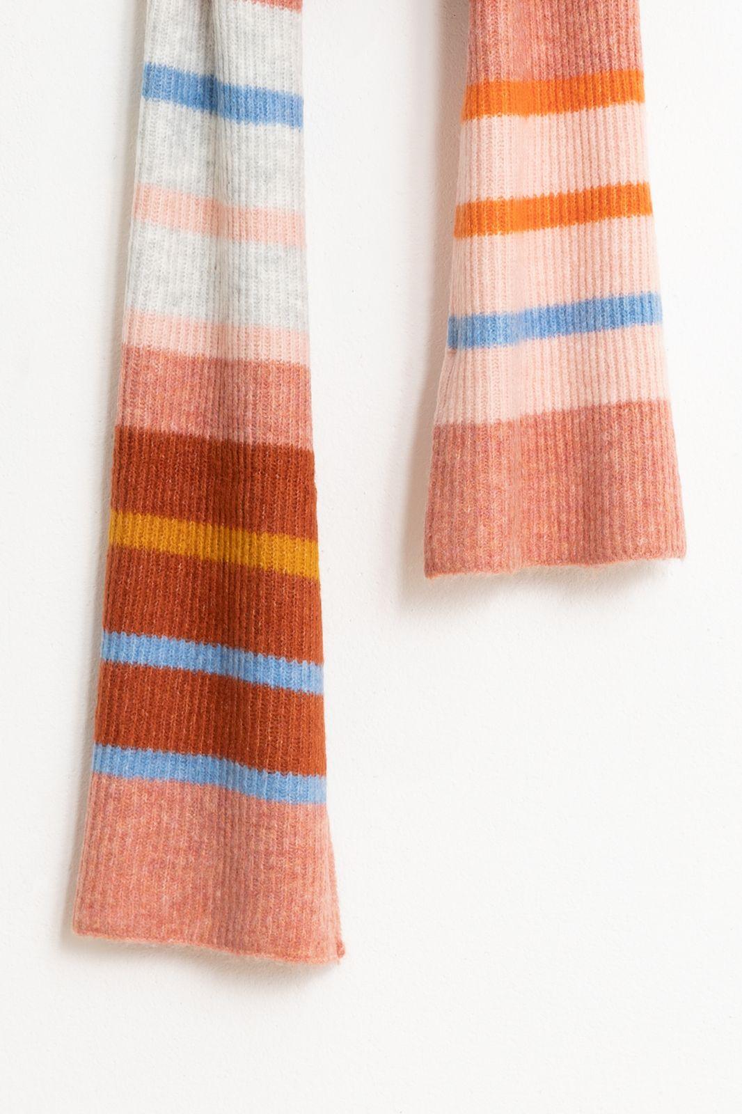 Rode gestreepte sjaal