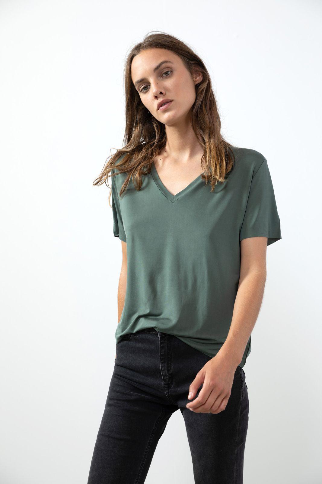 Donkergroen T-shirt met V-hals - Dames   Sissy-Boy