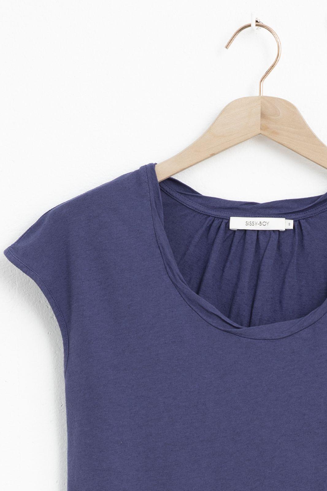 Blauw basic t-shirt met gedraaide halslijn - Dames   Sissy-Boy