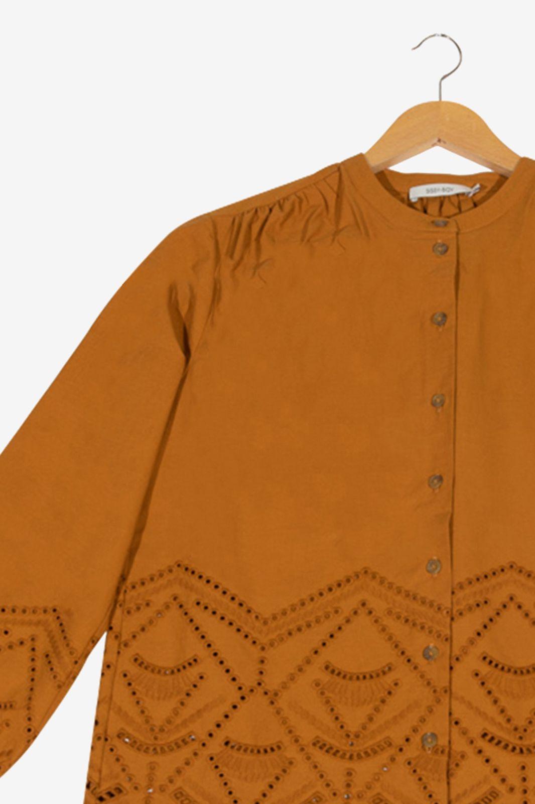 Bruine blouse met details