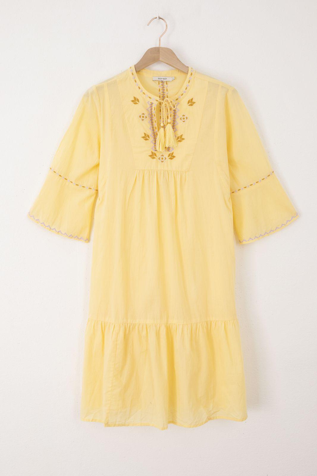 Gele jurk met geborduurde details - Dames | Sissy-Boy