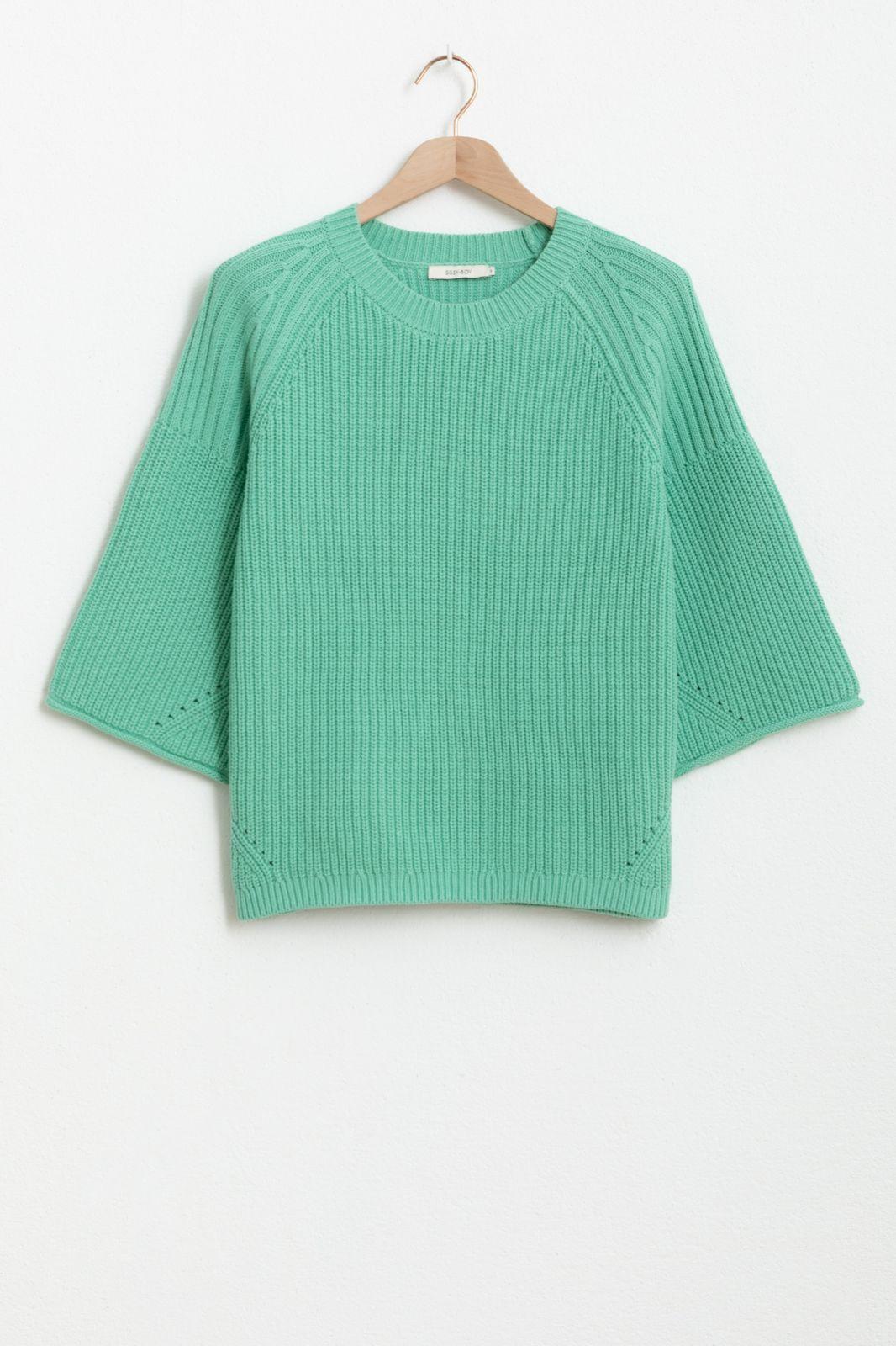 Groene rib trui met driekwart mouwen