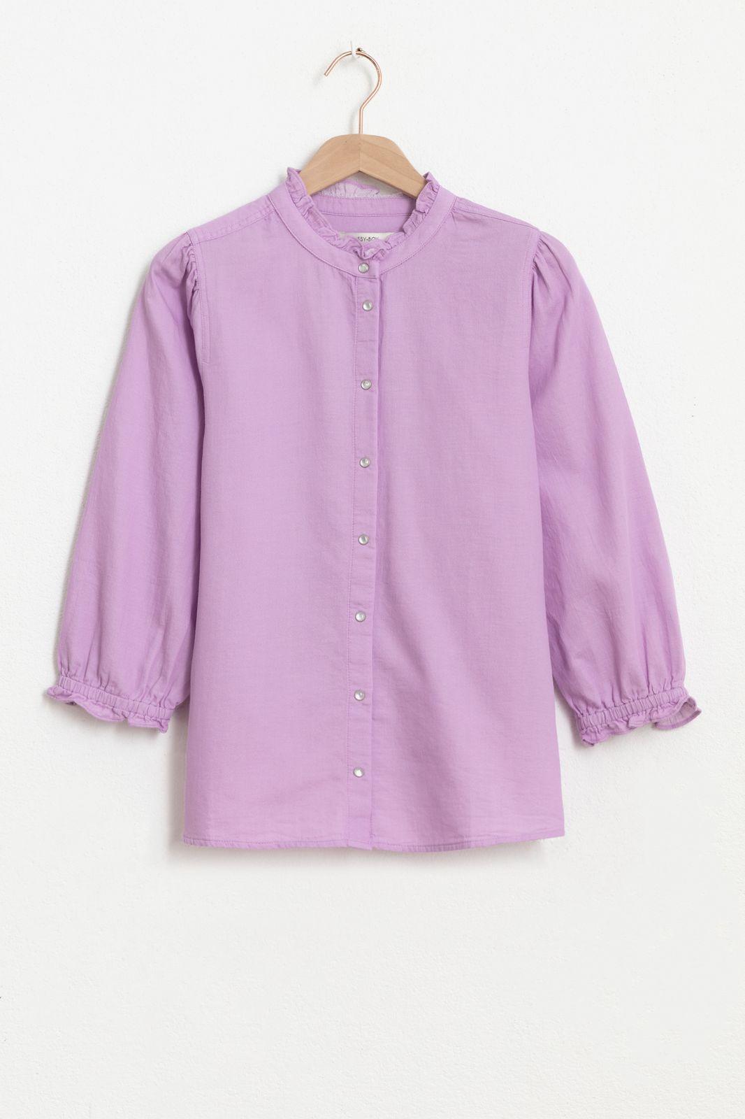 Lila denim blouse met ruffle details