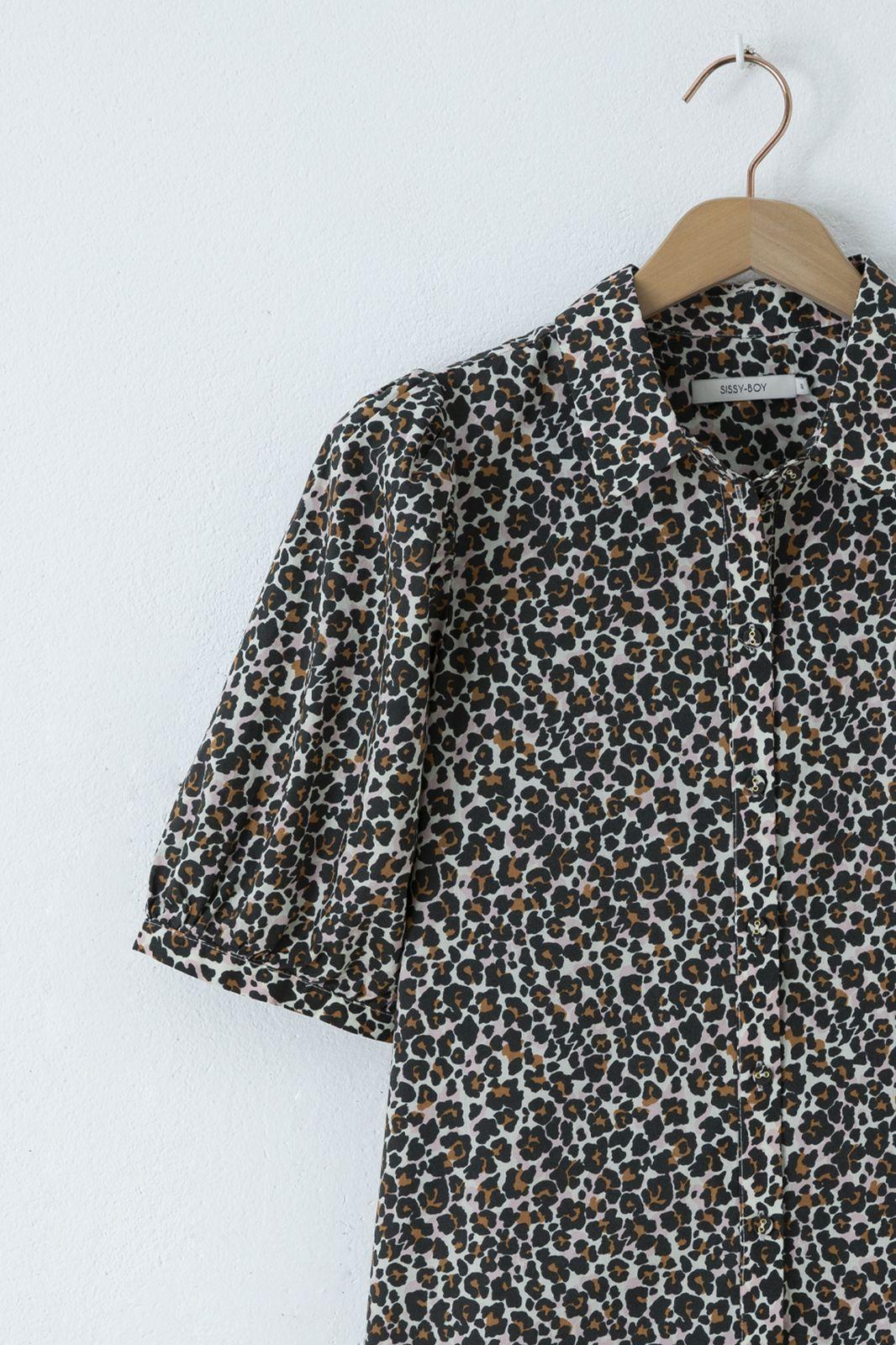 Doorknoop blouse met all over panterprint en pofmouwen - Dames | Sissy-Boy