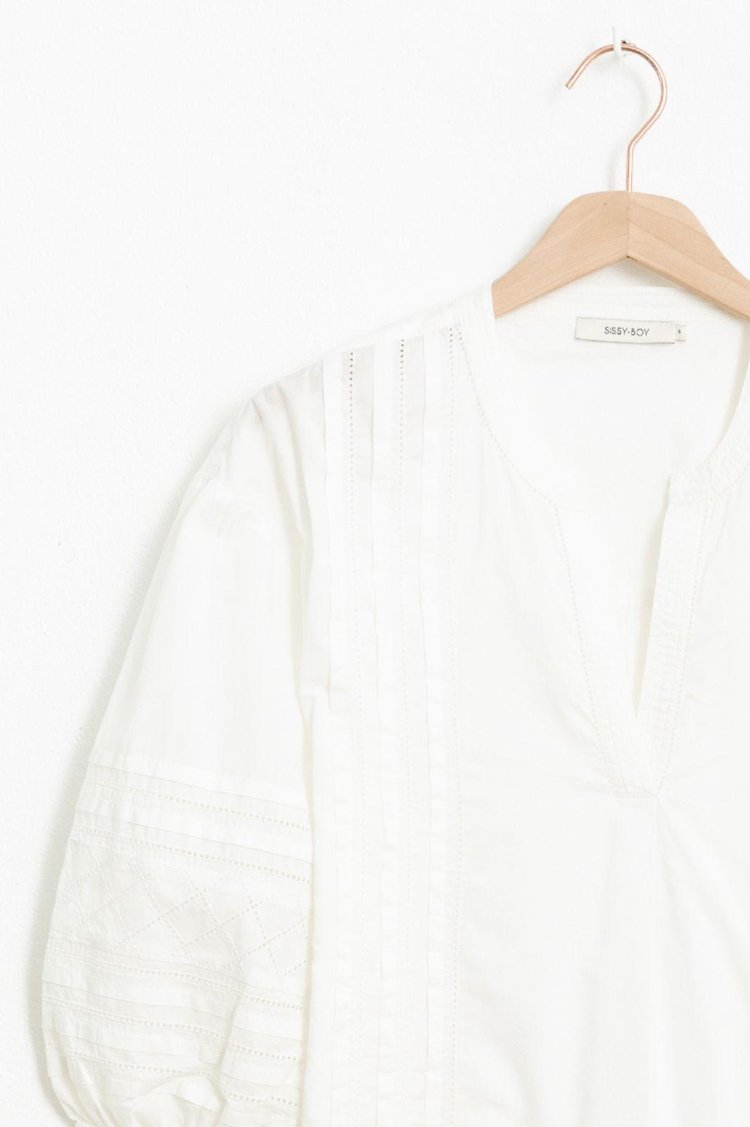Ecru blouse met geborduurde details en driekwart ballonmouwen - Dames | Sissy-Boy
