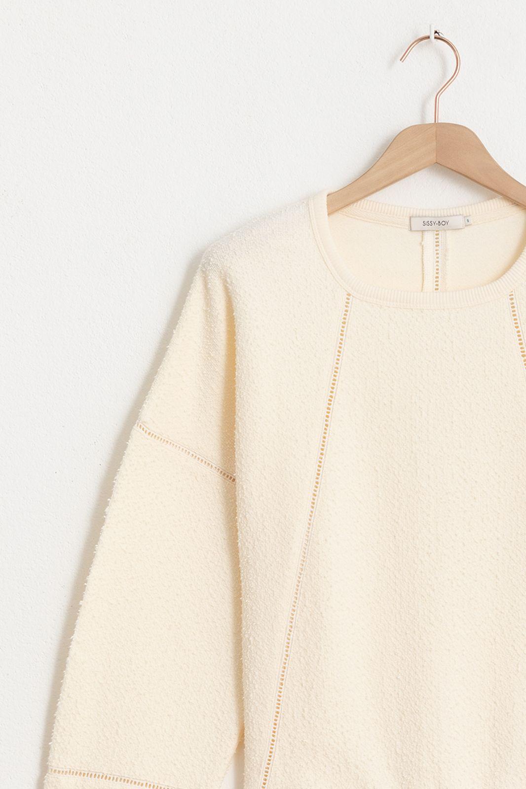 Pull tissu bouclé avec détails crochet - écru