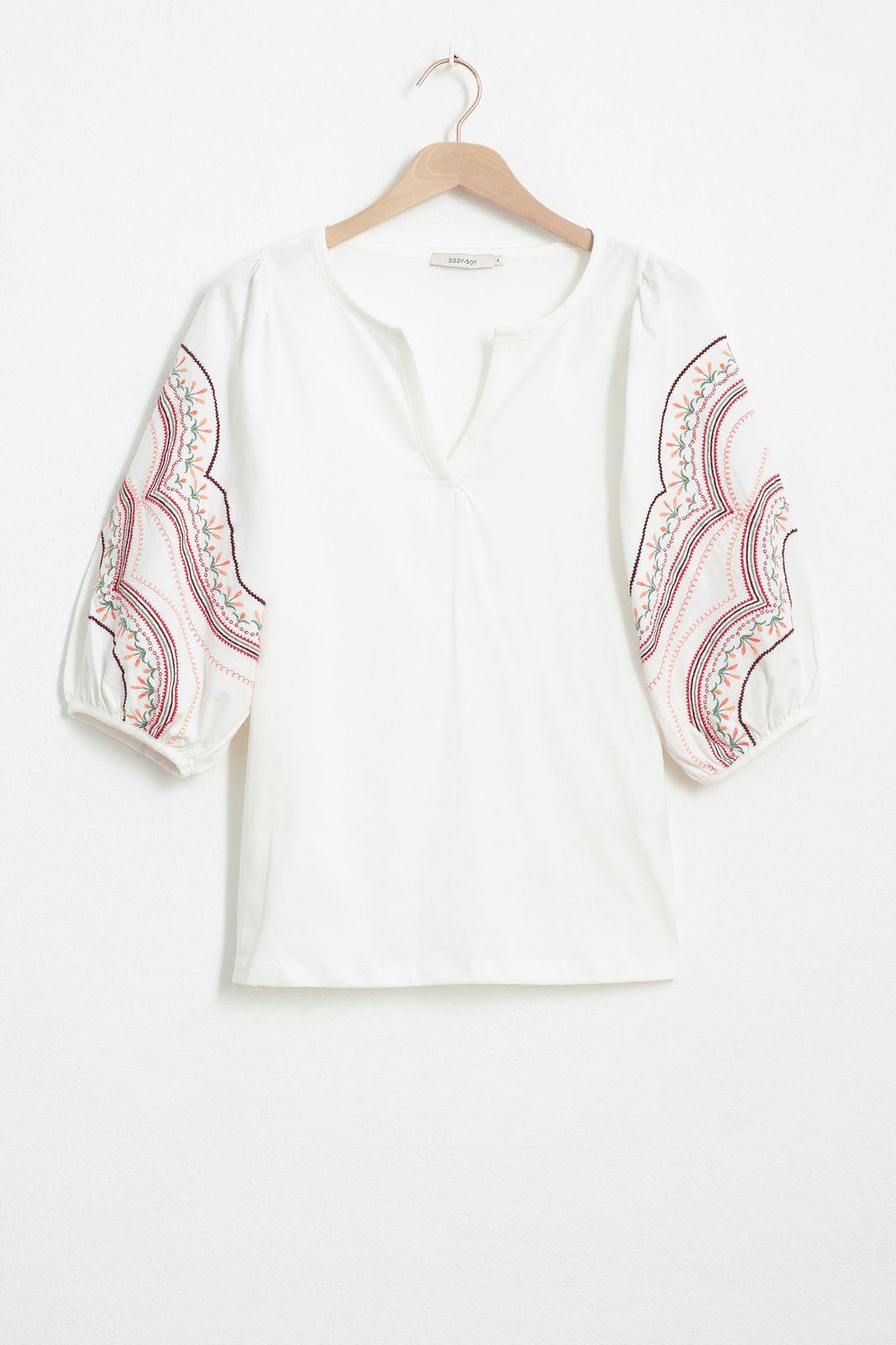Ecru T-shirt met geborduurde pofmouwen - Dames   Sissy-Boy