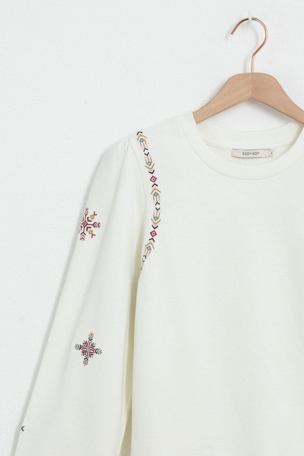Witte embroidery trui met pofmouwen