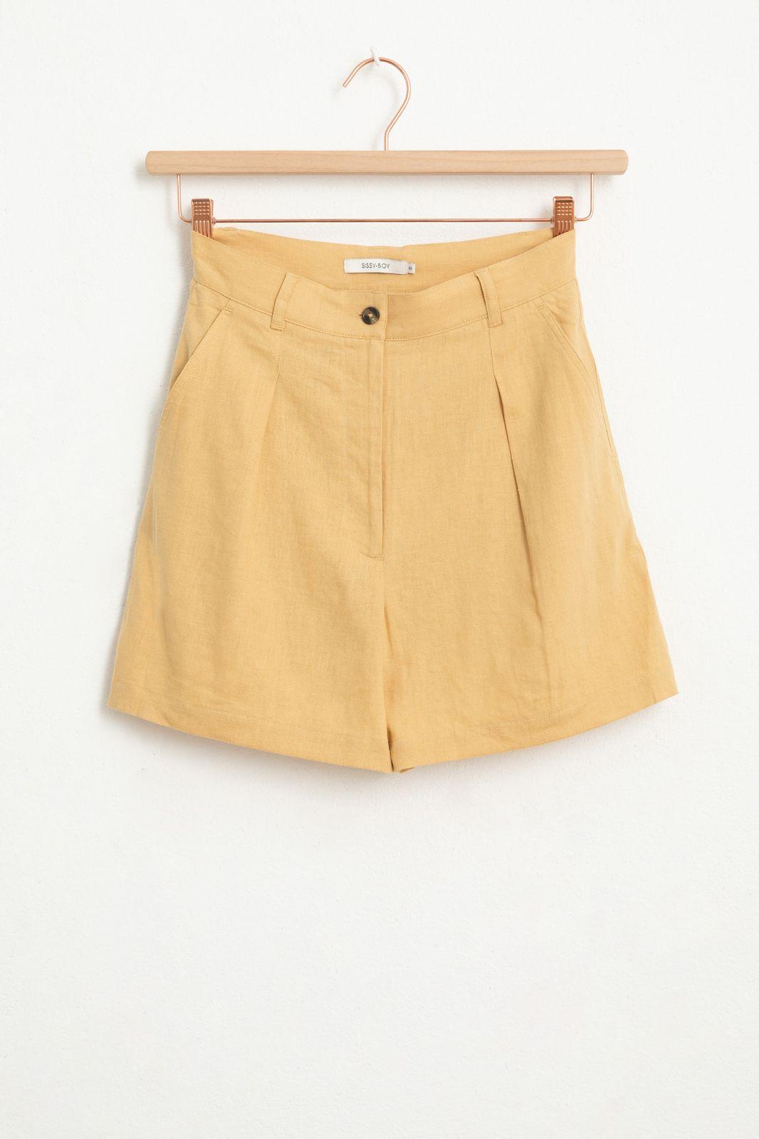 Gelbe Leinen-Shorts