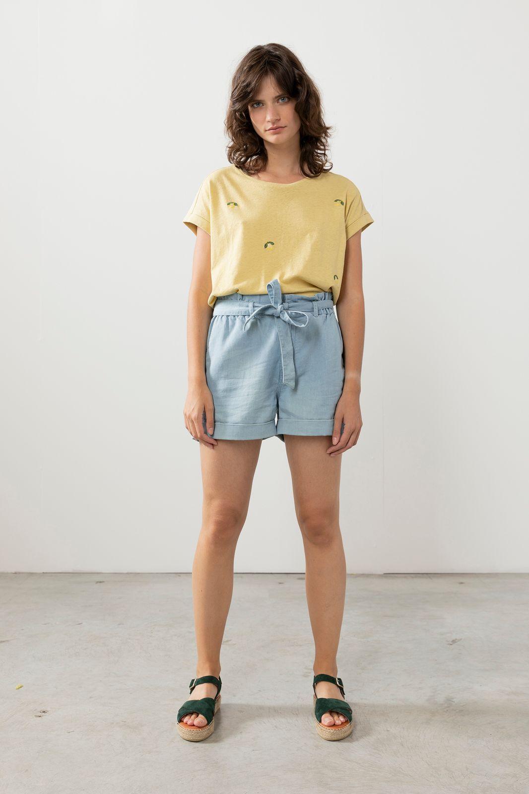 Goudkleurig linnen t-shirt met print
