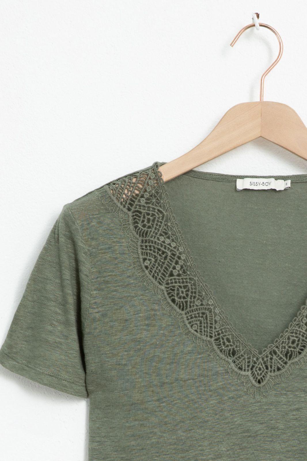 Groen linnen T-shirt met kanten v-hals - Dames | Sissy-Boy