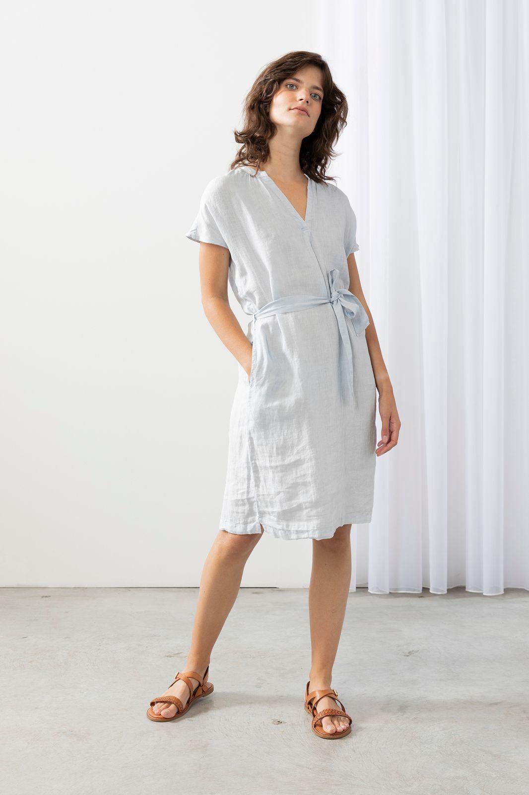 Lichtblauwe linnen midi jurk