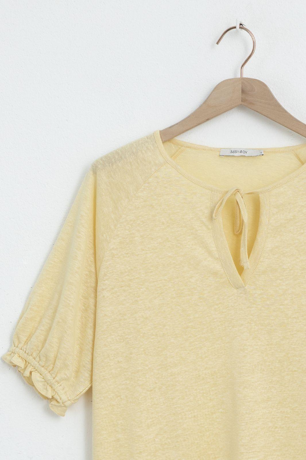 Geel linnen T-shirt met pofmouwen