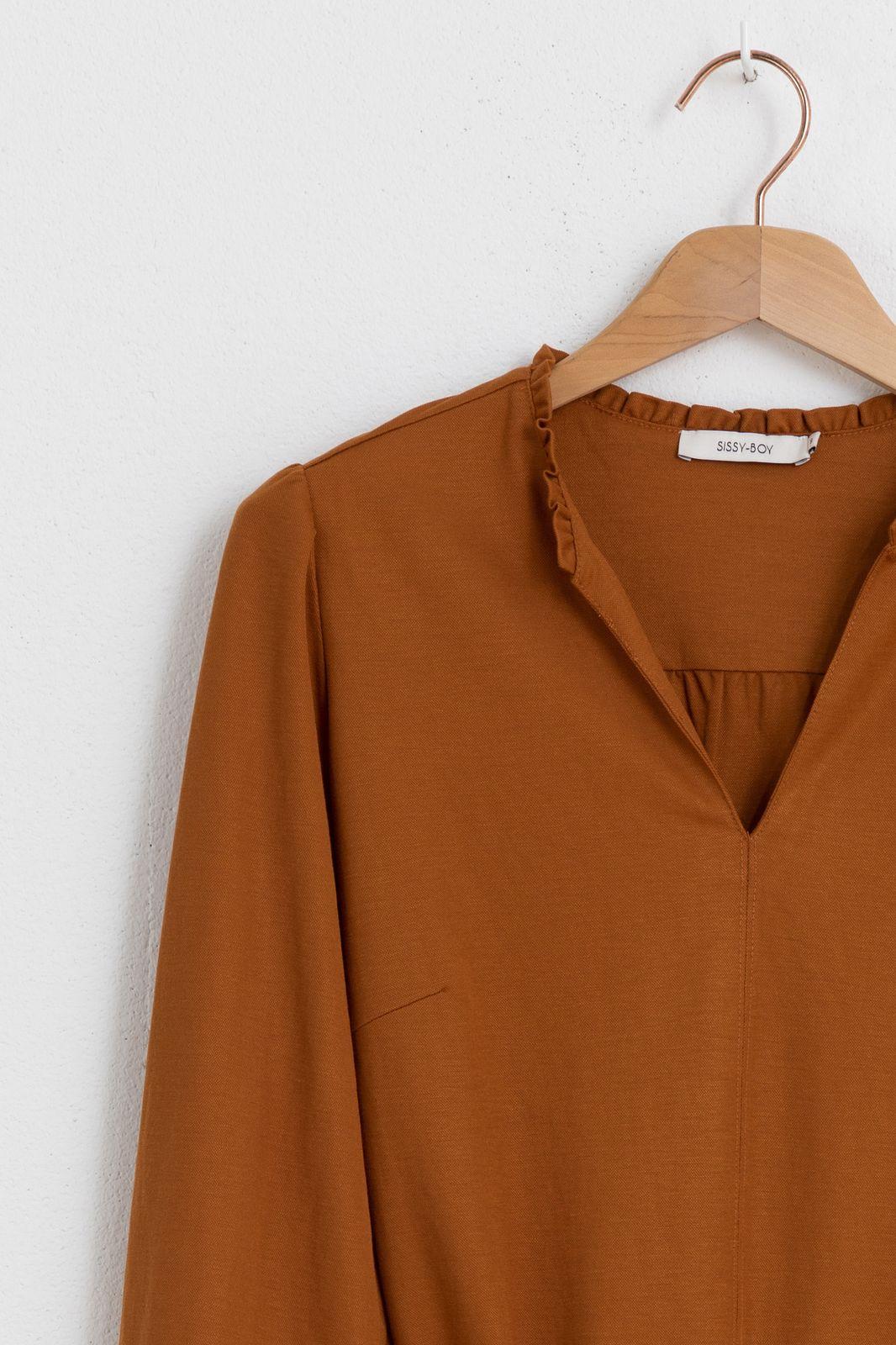 Oranje/bruine jurk met ceintuur