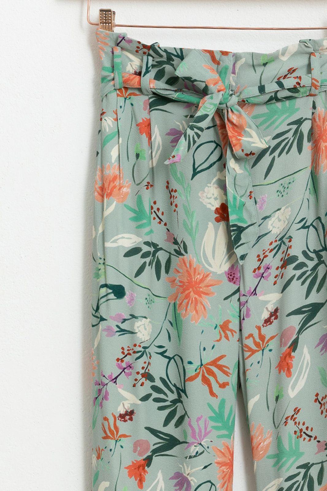 Paperbag pantalon met all over bloemenprint