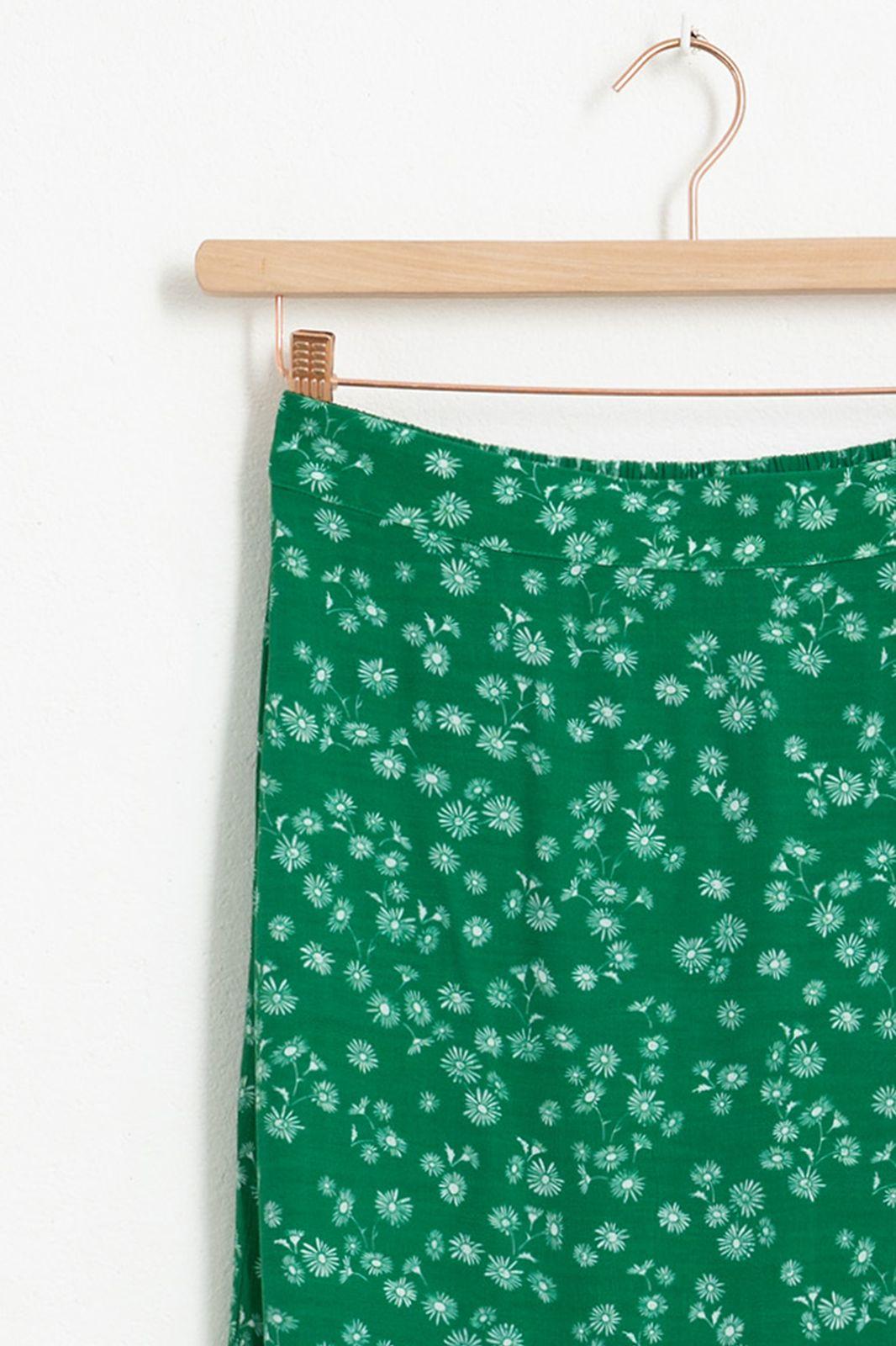Groene midi rok met all over bloemenprint