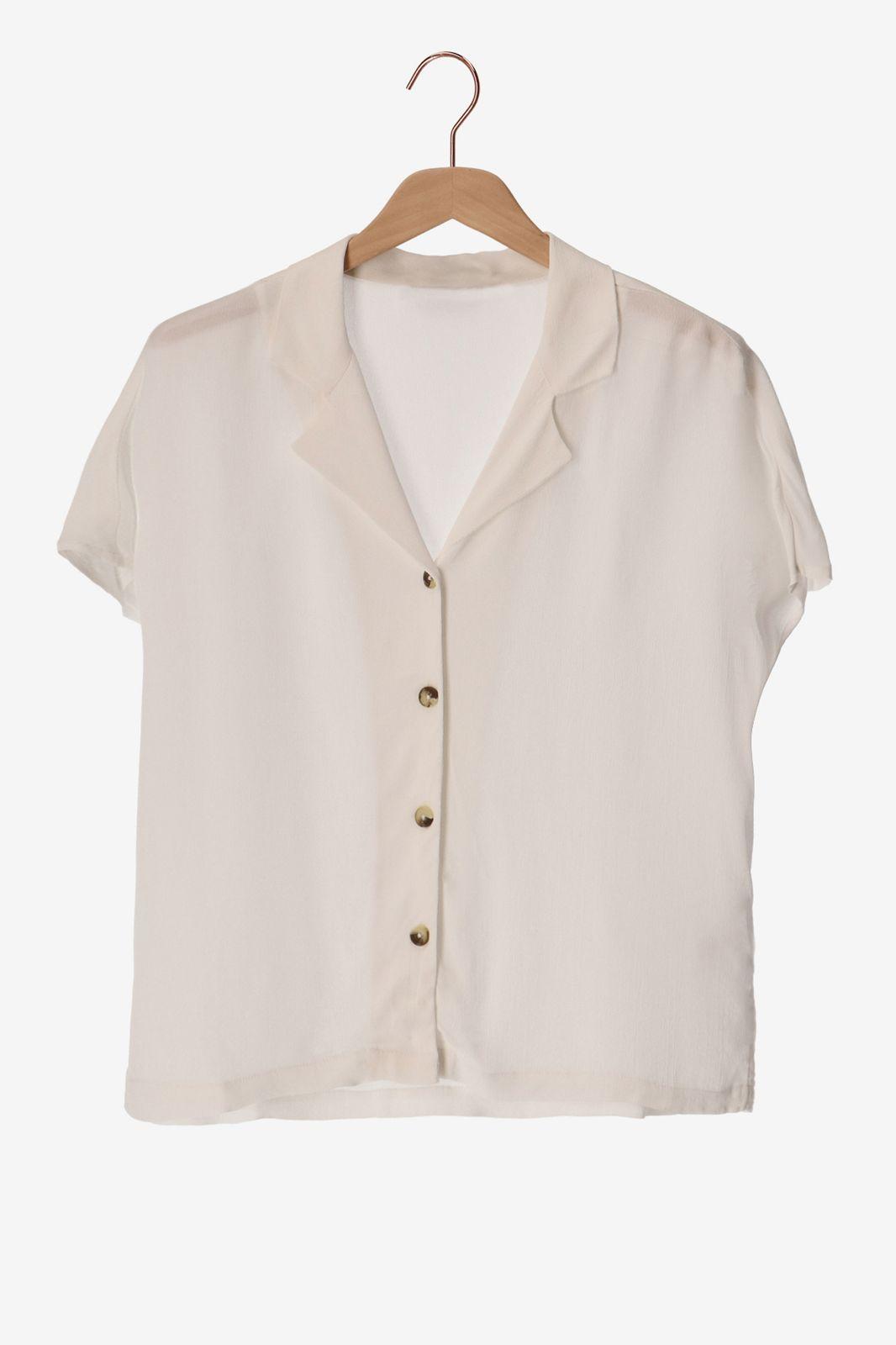 Witte blouse met korte mouwen