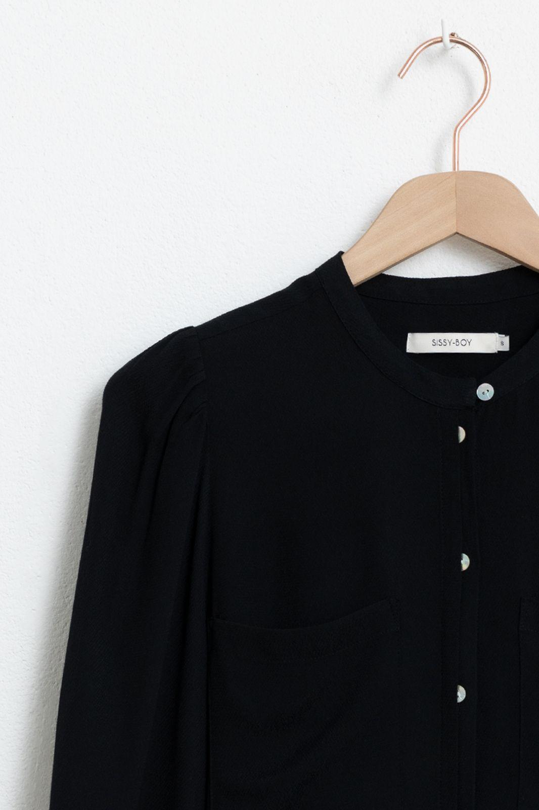 Zwarte blouse met ballonmouwen