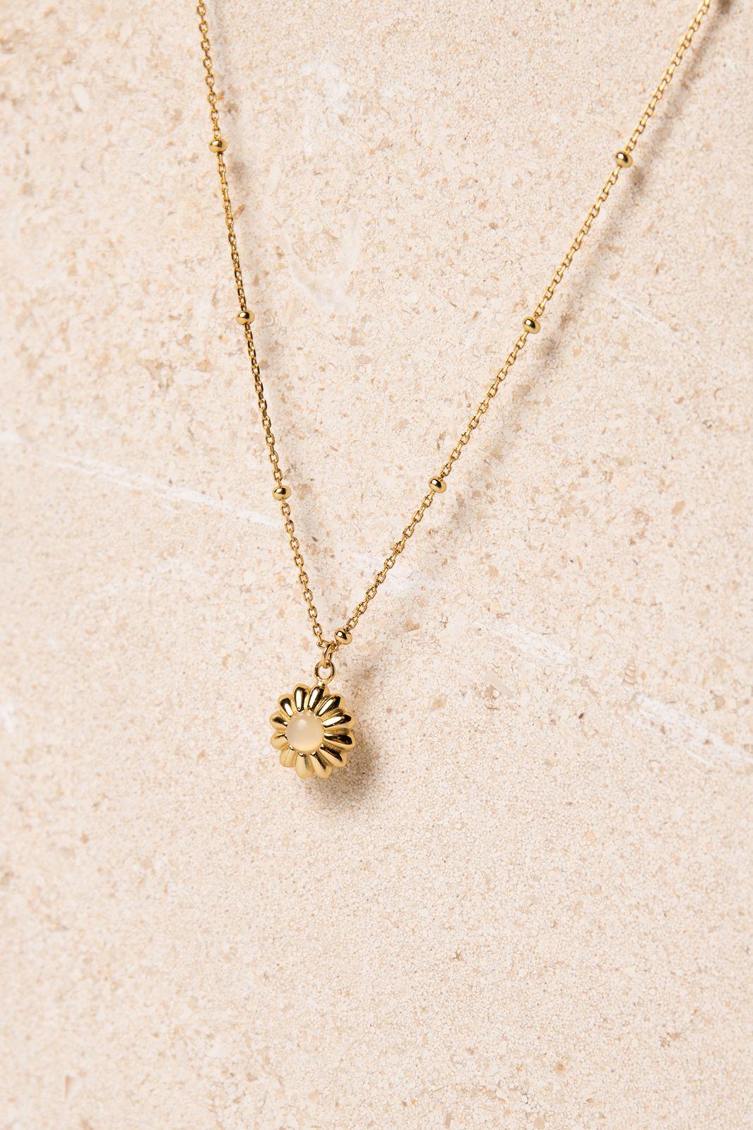Goldplated ketting met bloemen bedeltje