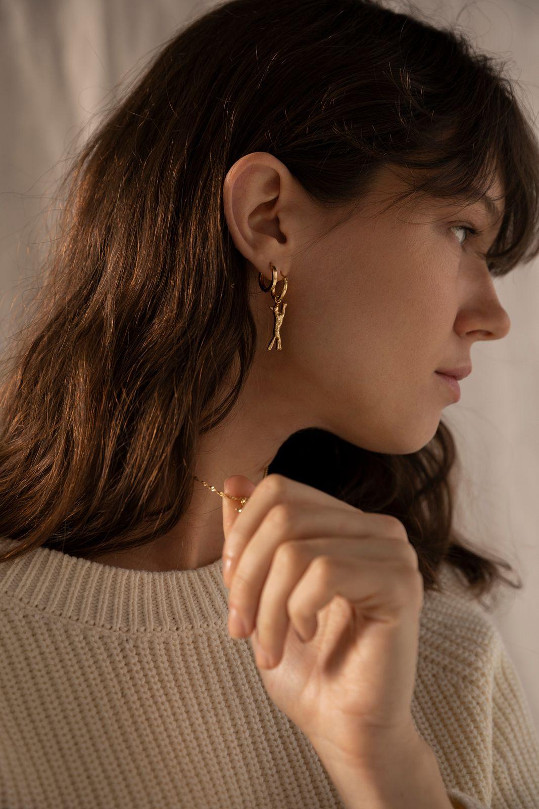 Goldplated single oorbel met vosje