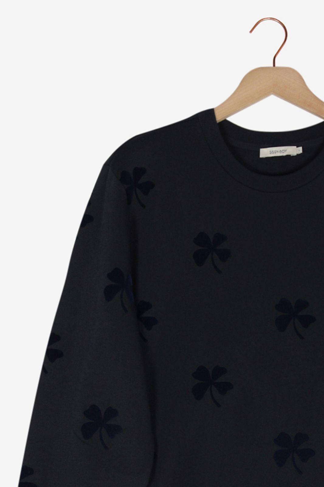 Donkerblauwe sweater met klaver print