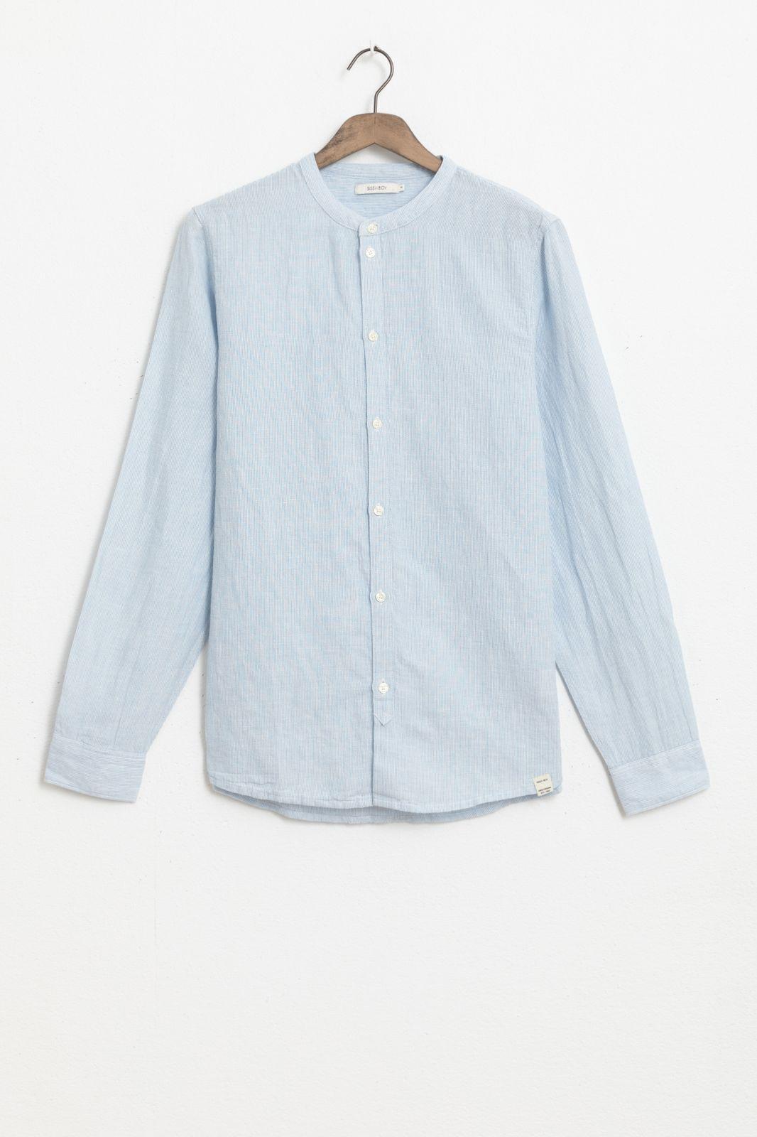 Lichtblauw linnen overhemd gestreept