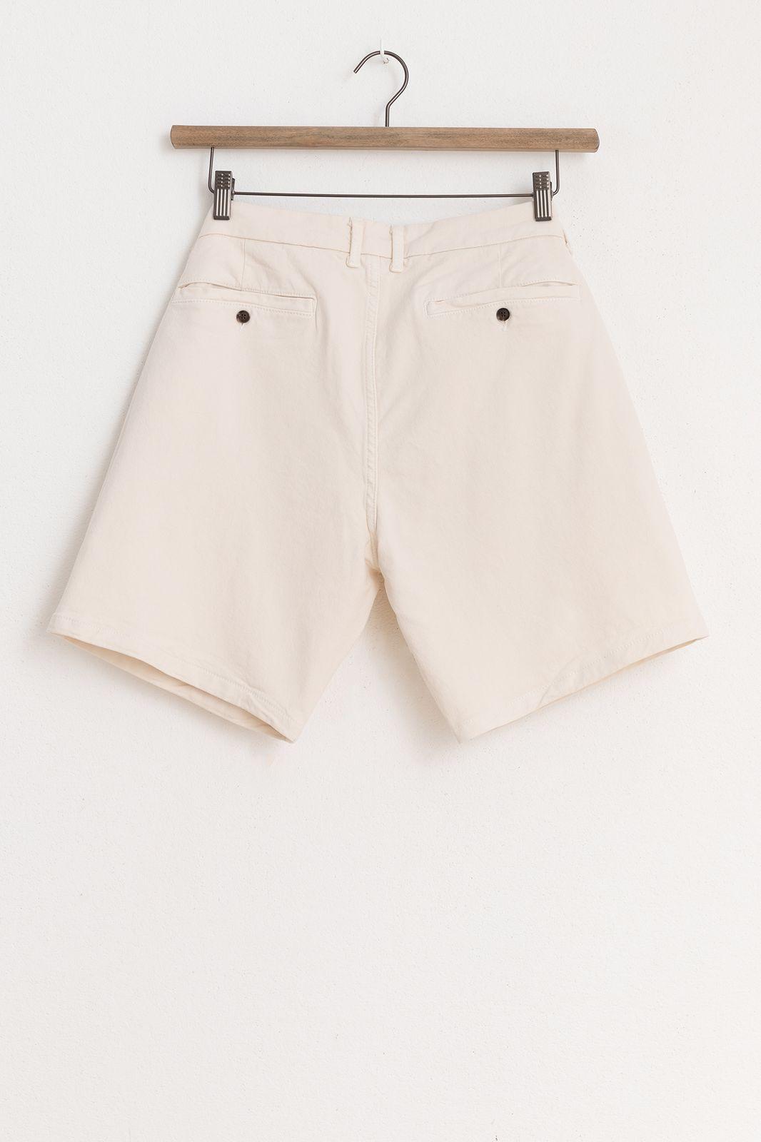 Offwhite chino shorts
