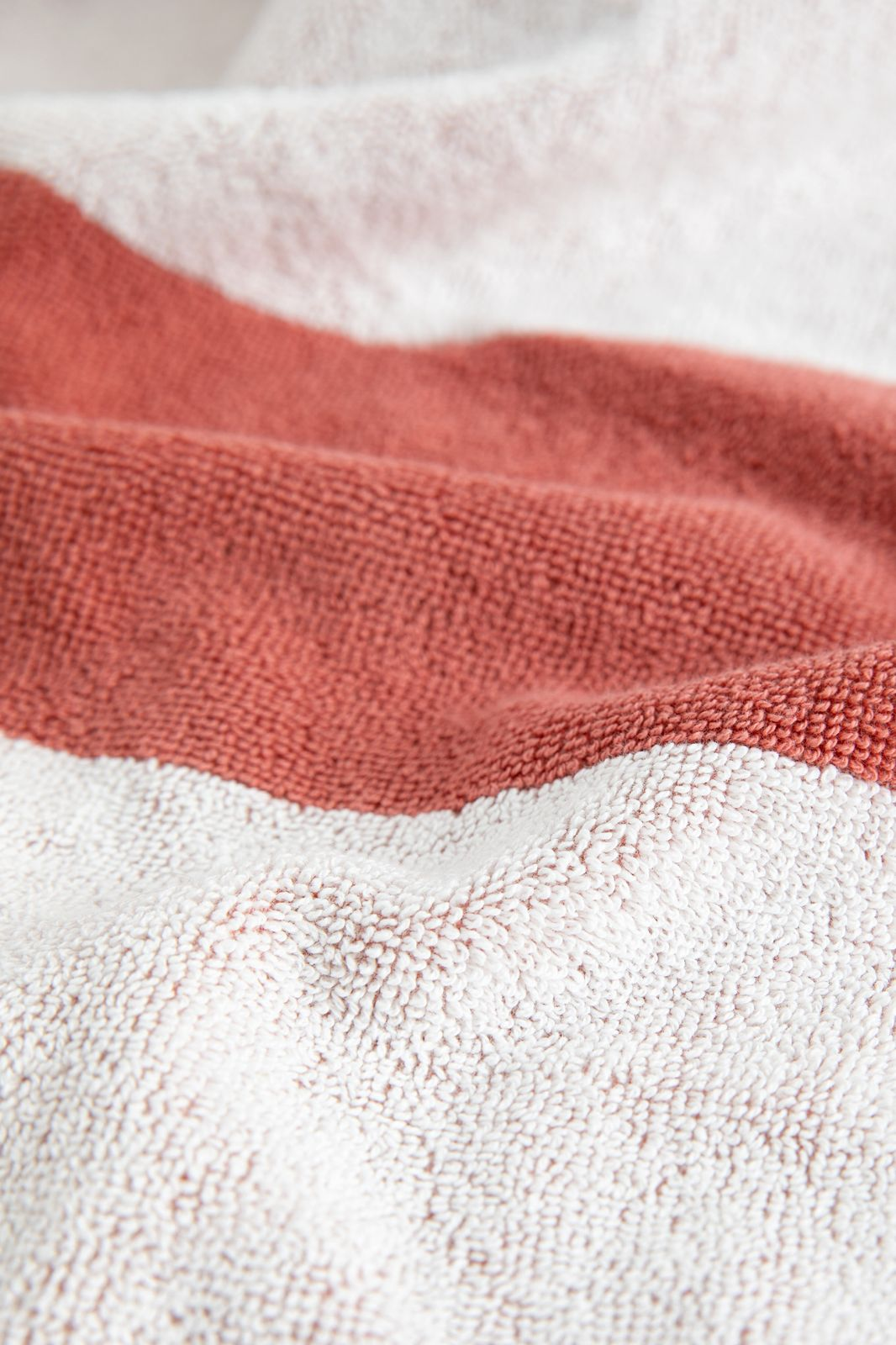 Roze handdoek met horizontale strepen - Homeland   Sissy-Boy