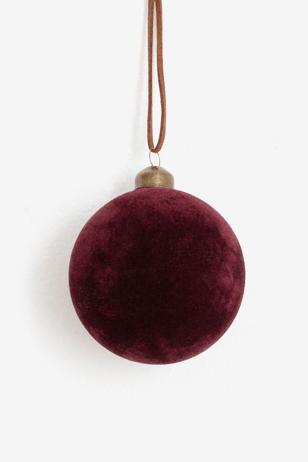 Paarse velvet kerstbal
