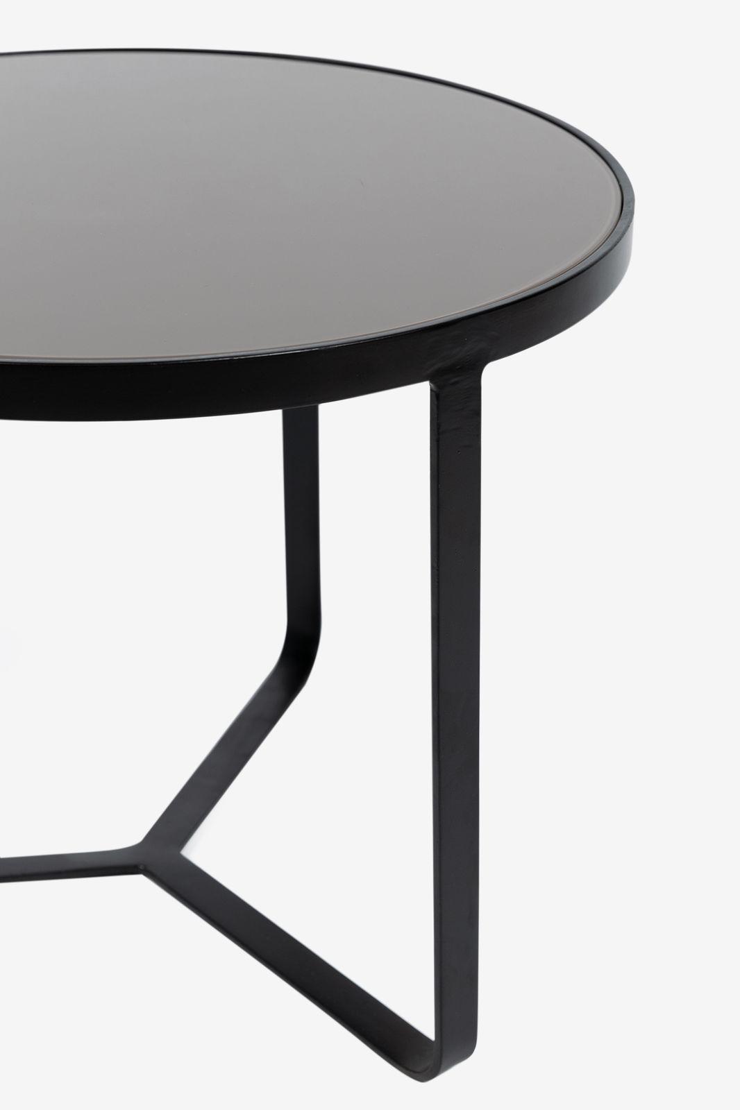 Zwart tafeltje met gekleurd glas