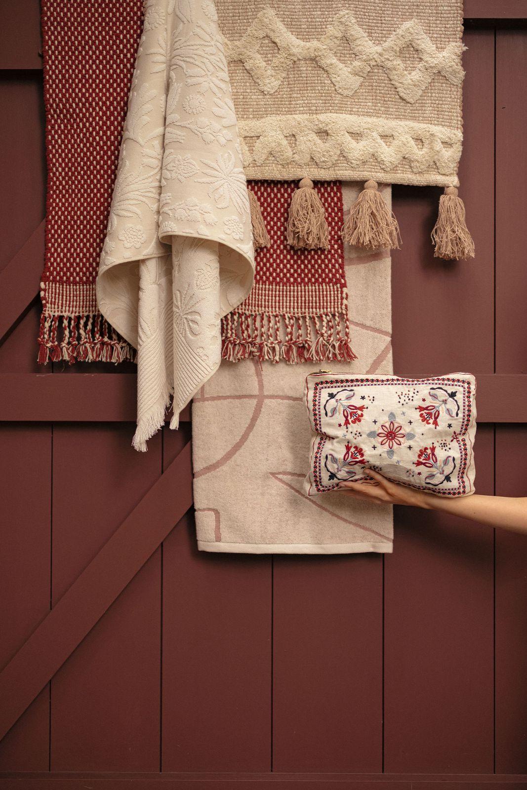 Handdoek met all over bloemenprint