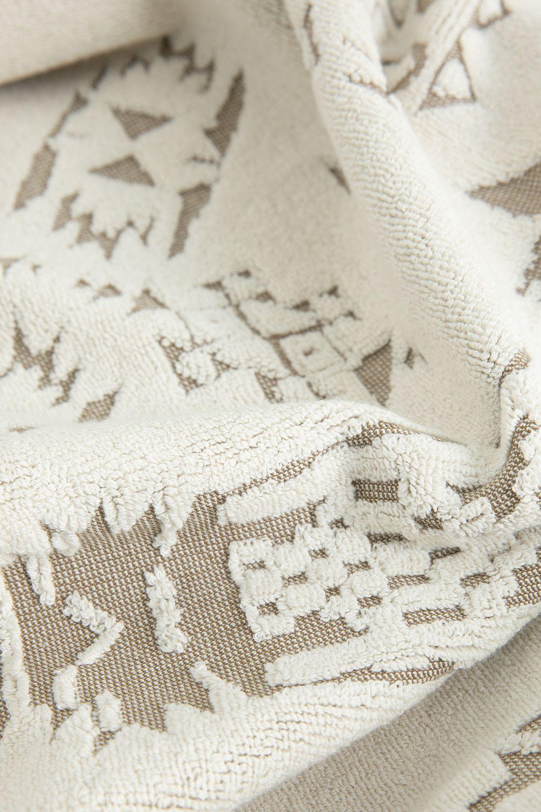 Handdoek taupe met aztec print