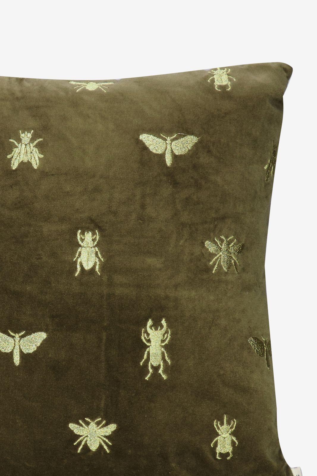 Donkergroen sierkussen velvet insect