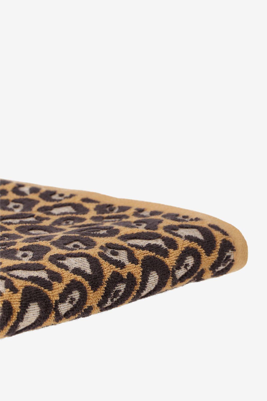 Handdoek bruin met panterprint