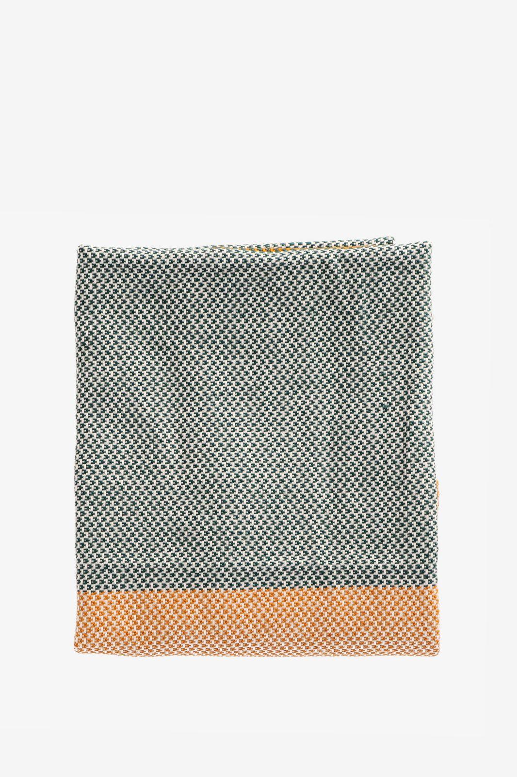 Okergele keukenhanddoek met knitted patroon