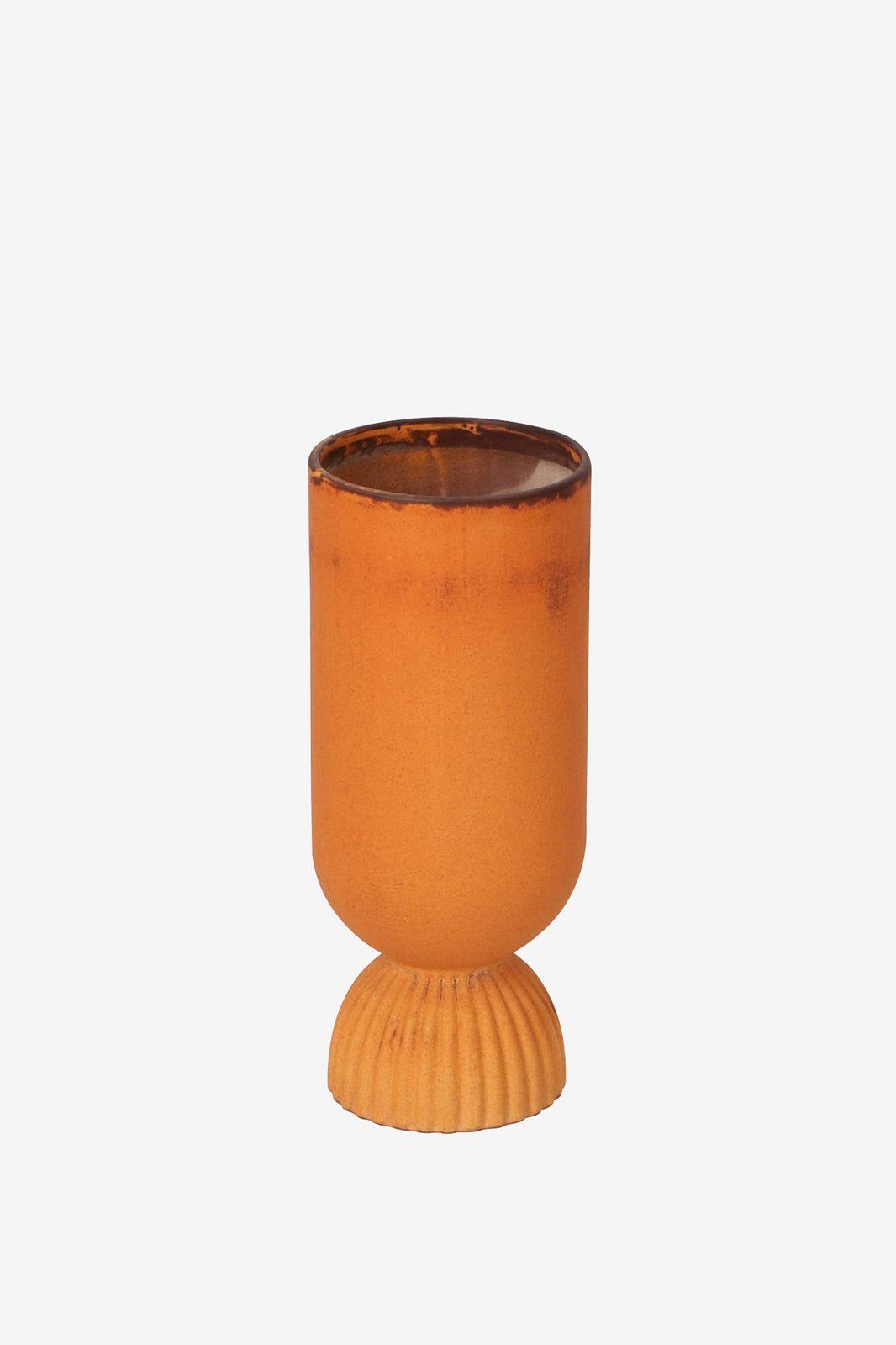 Oranje vaas ribbel