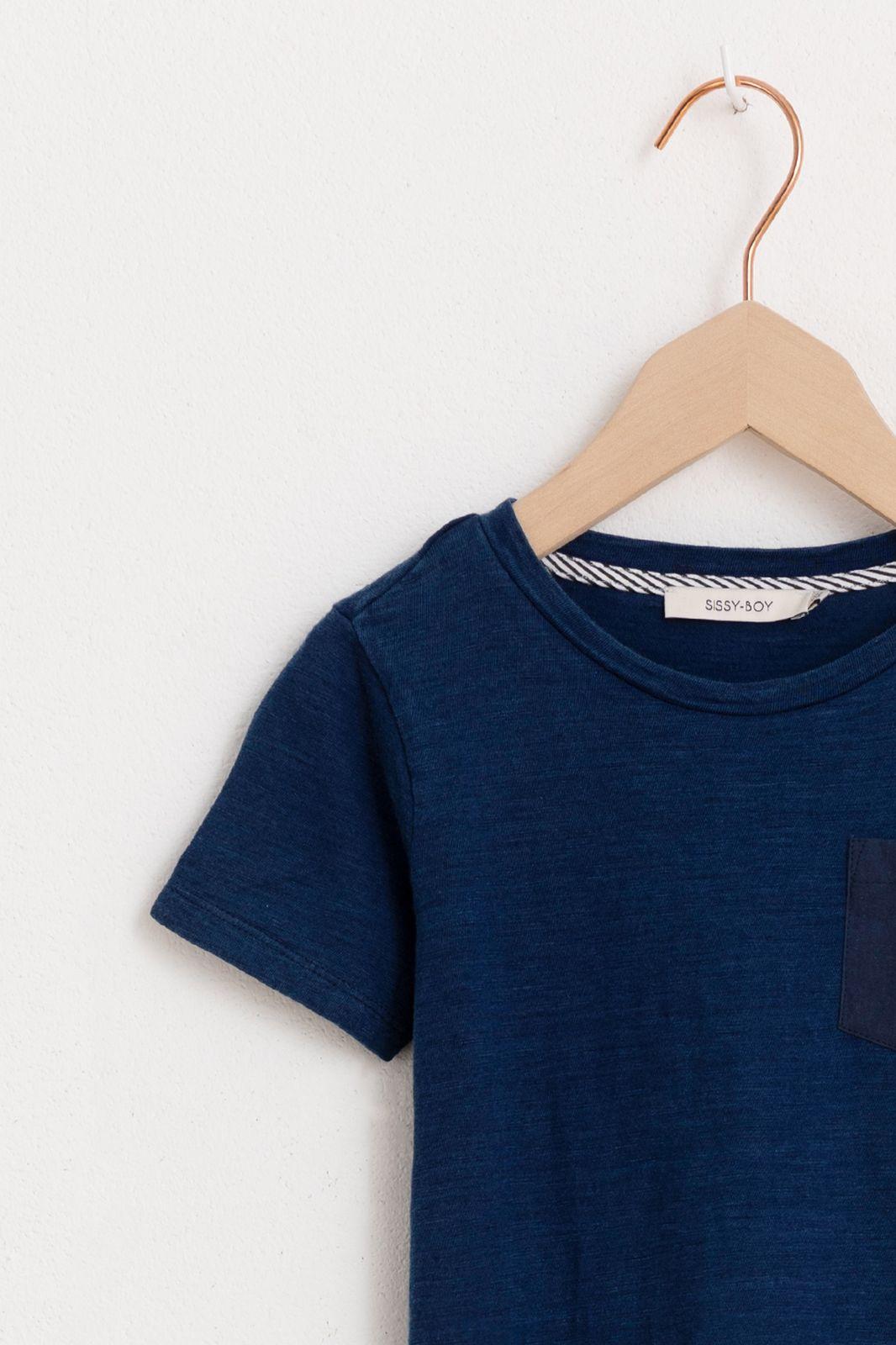 Donkerblauw t-shirt met borstzakje - Kids | Sissy-Boy