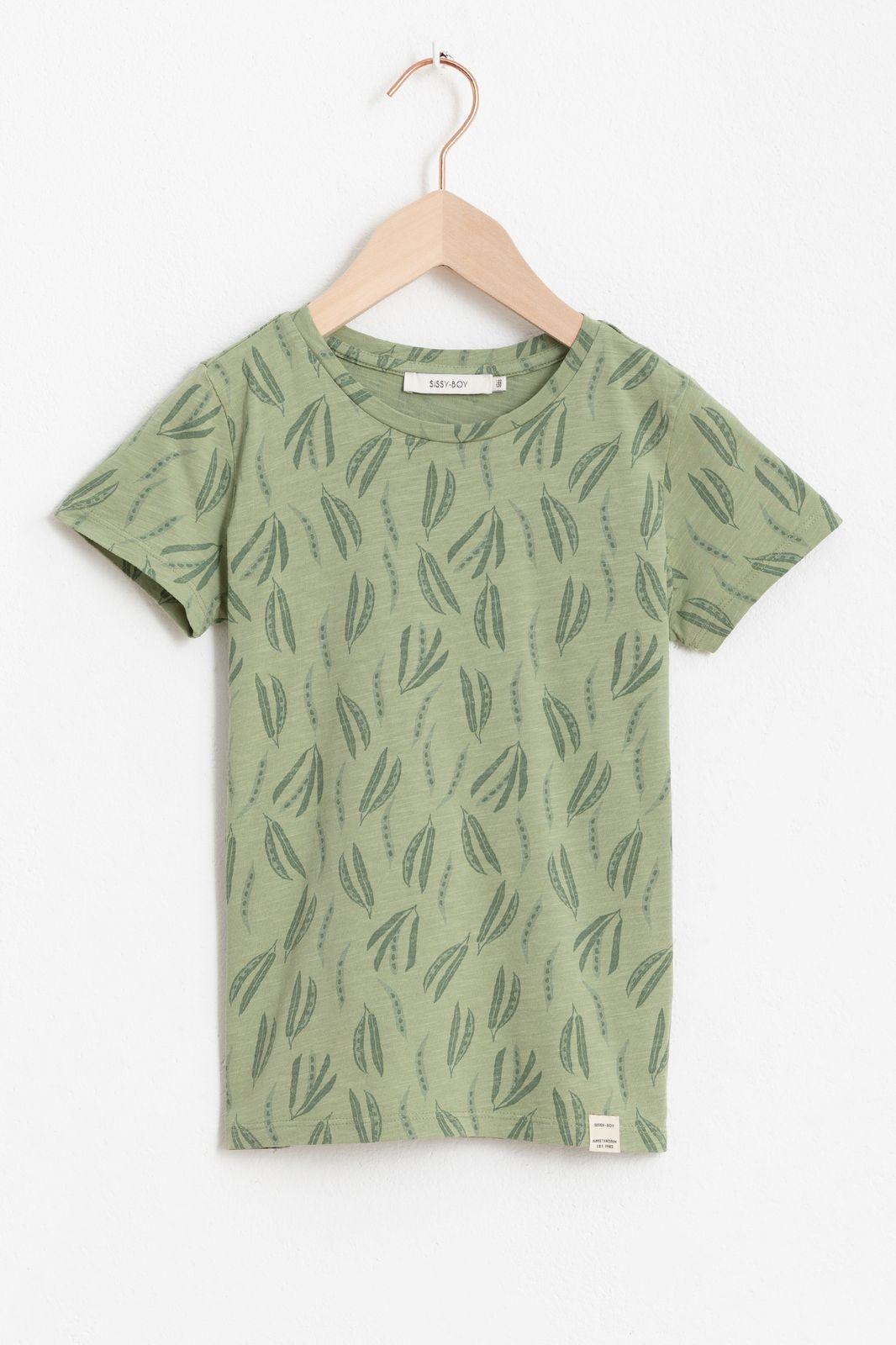 Groen T-shirtje met all over leavesprint en korte mouw
