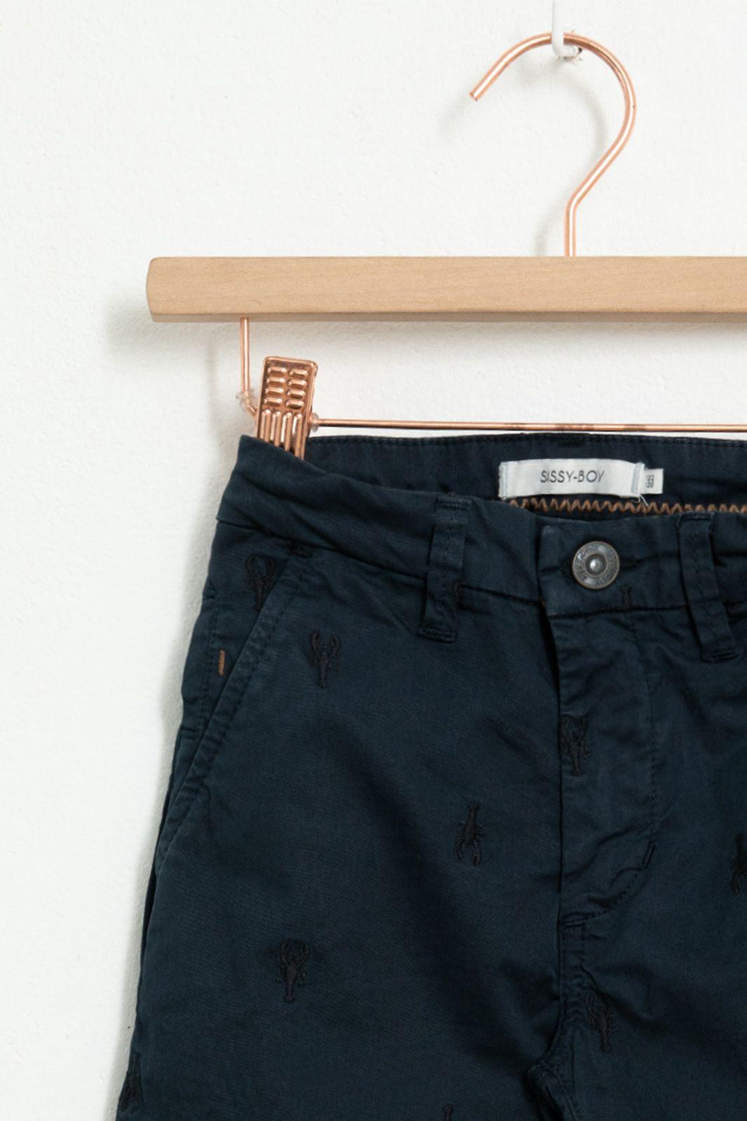 Donkerblauwe shorts met all over kreeft embroidery - Kids | Sissy-Boy
