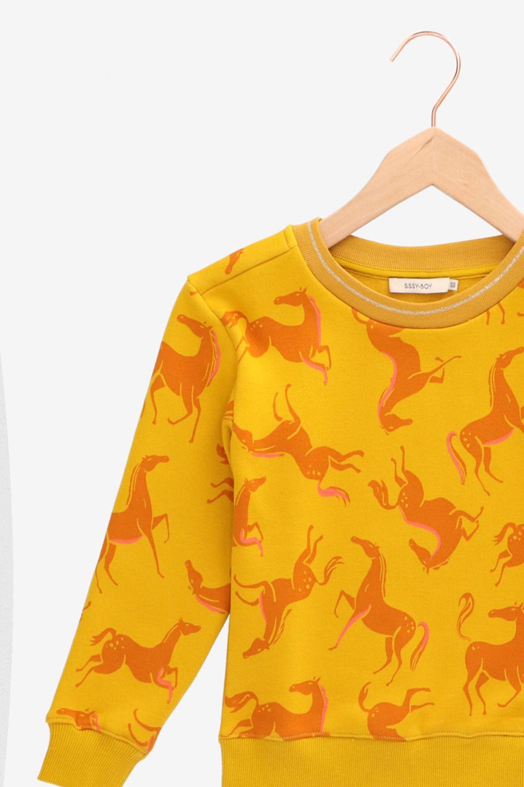 Gele sweater met paardenprint