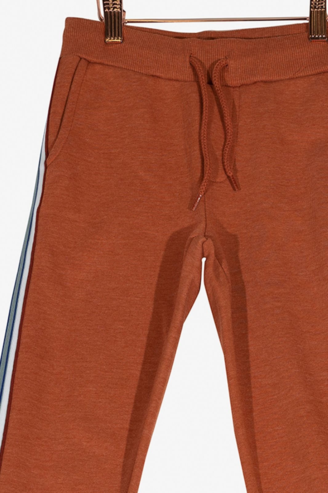 Oranje jogger met track strepen