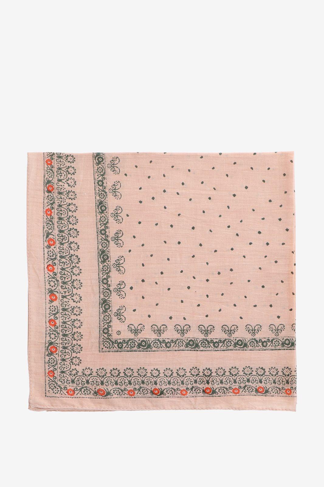 Roze vierkant sjaaltje