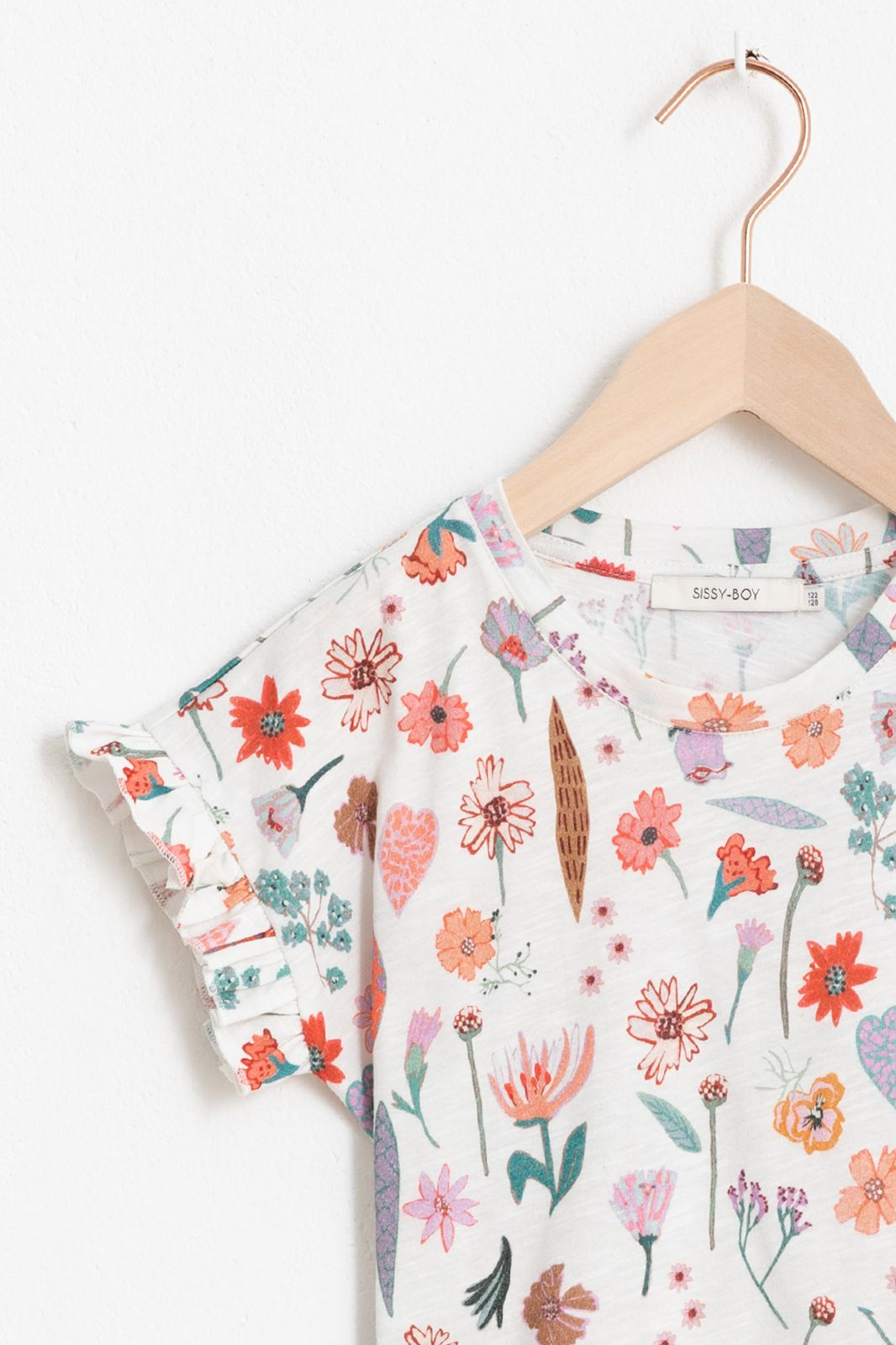 Ecru T-shirtje met all over bloemenprint en korte ruffle mouw - Kids | Sissy-Boy