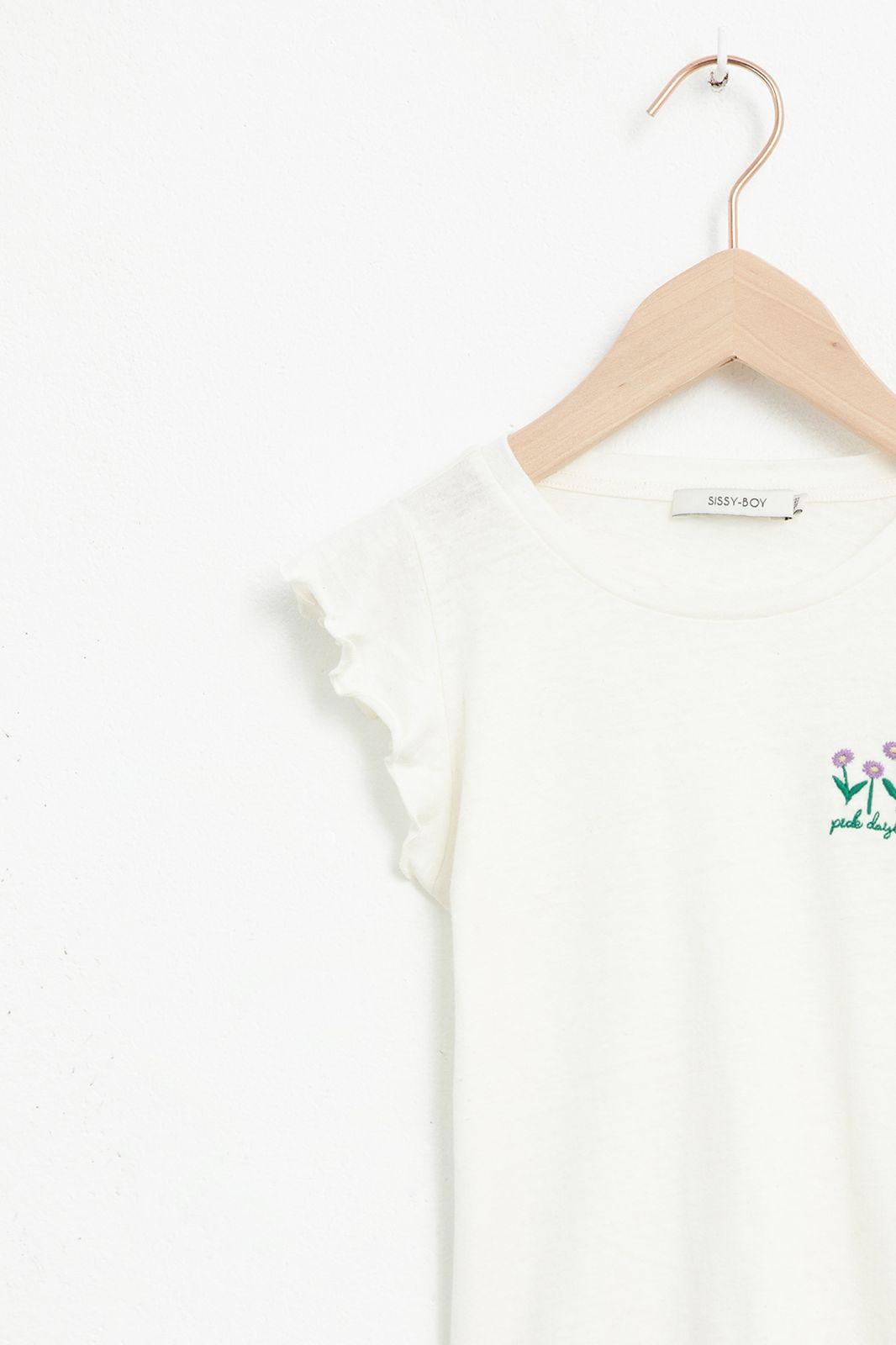 Ecru T-shirt met korte ruffle mouwen en bloem embroidery